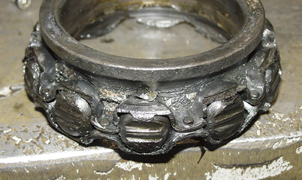 Failed riveted cage bearing