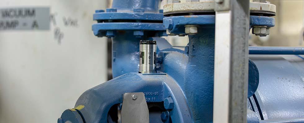 Smart-sensor-fixed-on-pump